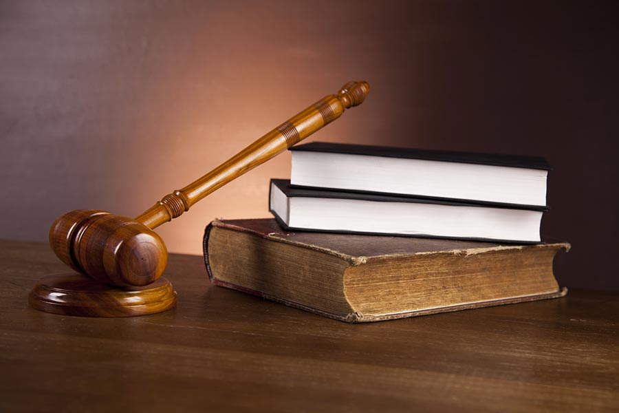 Società cancellata dal registro: il liquidatore non può impugnare l'avviso