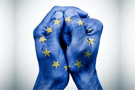 MAE. La Corte Ue su regola di specialità e misure restrittive